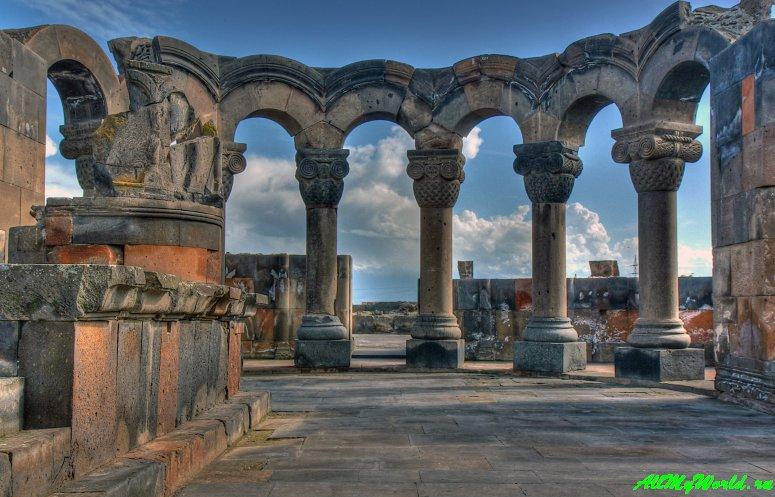 Достопримечательности Армении - храм Звартноц