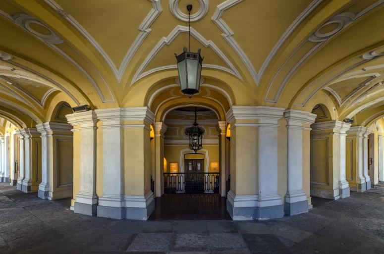 Достопримечательности Санкт-Петербурга - Большой Гостиный двор