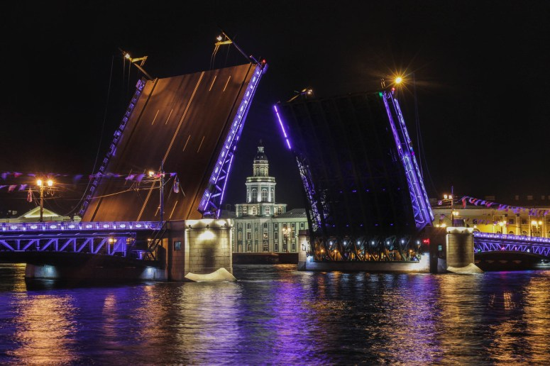 Достопримечательности Санкт-Петербурга - Дворцовый мост