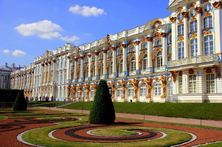 Достопримечательности Санкт-Петербурга - Александровский и Большой Екатерининский дворцы в Пушкине