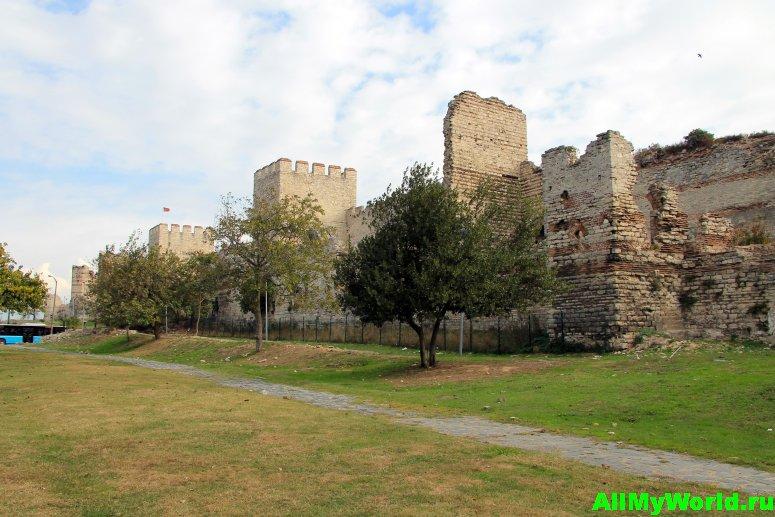 Достопримечательности Стамбула - городские стены Константинополя