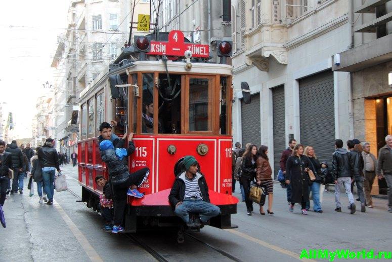 Достопримечательности Стамбула - улица Истикляль
