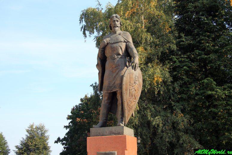 Достопримечательности Владимира - памятник Александру Невскому