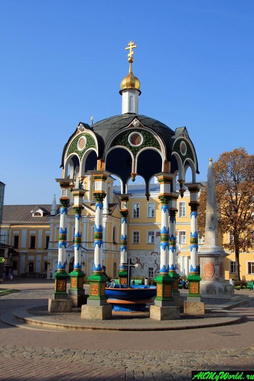 Достопримечательности Сергиева-Посада: Водосвятная часовня (Сень над Крестом)