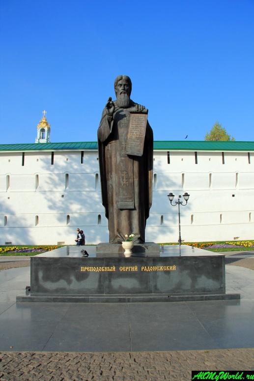 Достопримечательности Сергиева-Посада: памятник Сергию Радонежскому
