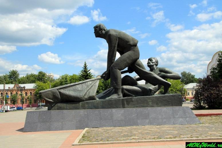 Достопримечательности города Иваново: площадь Реовлюции