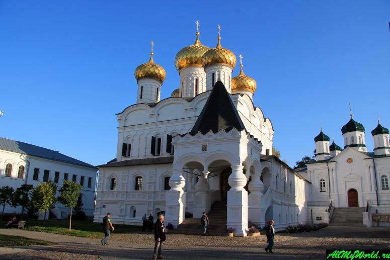 Достопримечательности Костромы: Свято-Троицкий Ипатьевский монастырь