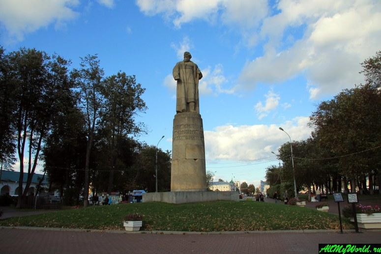 Достопримечательности Костромы: памятник Ивану Сусанину