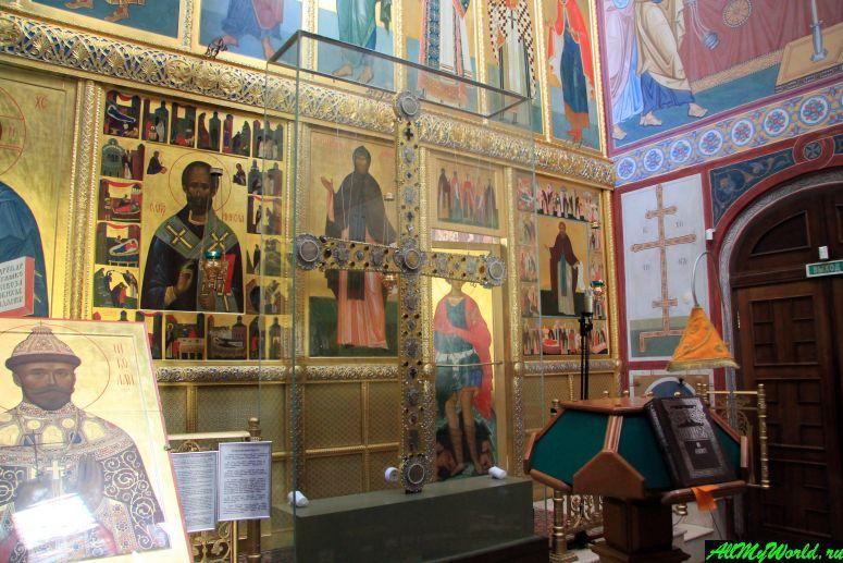 Достопримечательности Переславля-Залесского: Корсунский крест Свято-Никольского монастыря