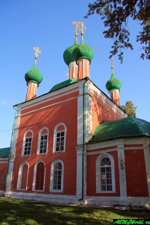 Достопримечательности Переславля-Залесского: церковь Александра Невского и Владимирский собор