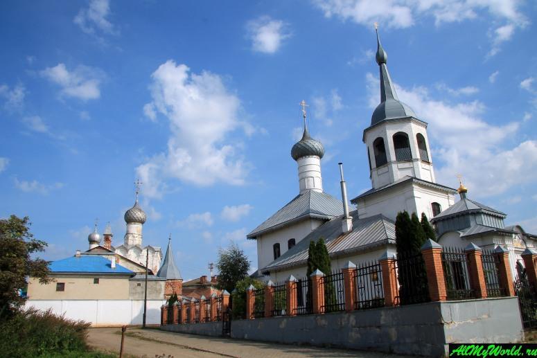 Достопримечательности Ростова Великого: Богородице-Рождественский монастырь