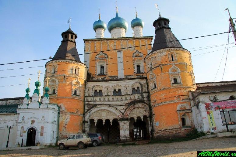Достопримечательности Ростова Великого: Борисоглебский монастырь