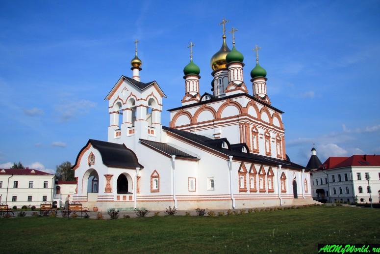 Достопримечательности Ростова Великого: Троице-Сергиев Варницкий монастырь