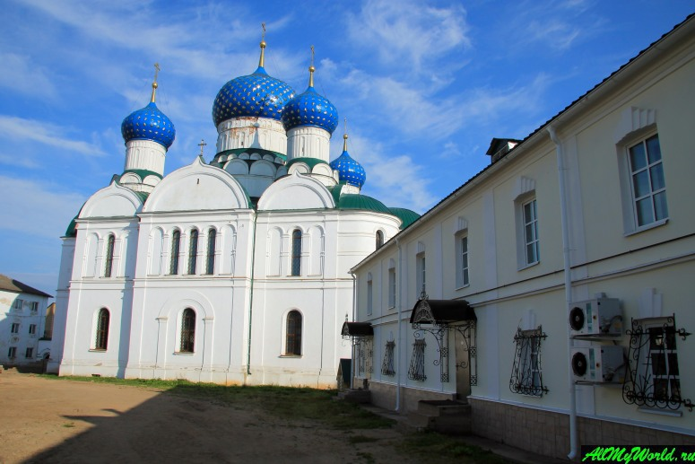 Достопримечательности Углича: Богоявленский монастырь