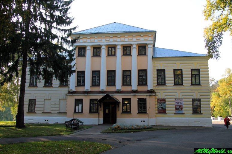 Достопримечательности Углича: здание бывшей городской думы
