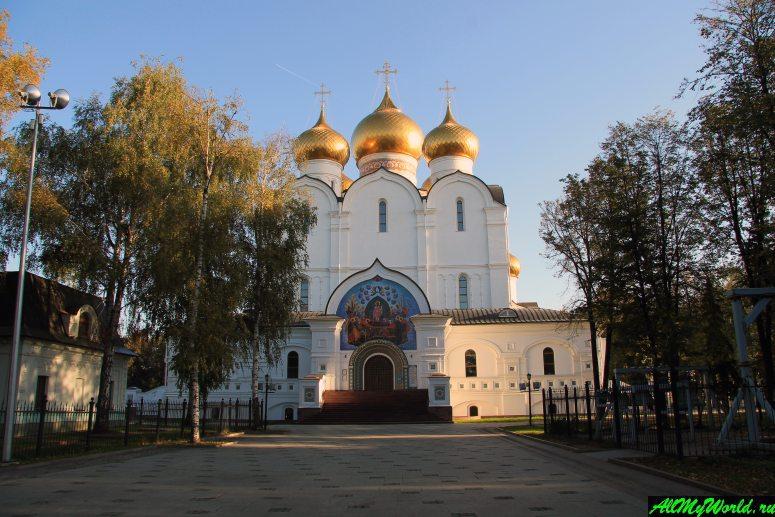 Достопримечательности Ярославля: Кафедральный собор Успения Пресвятой Богородицы