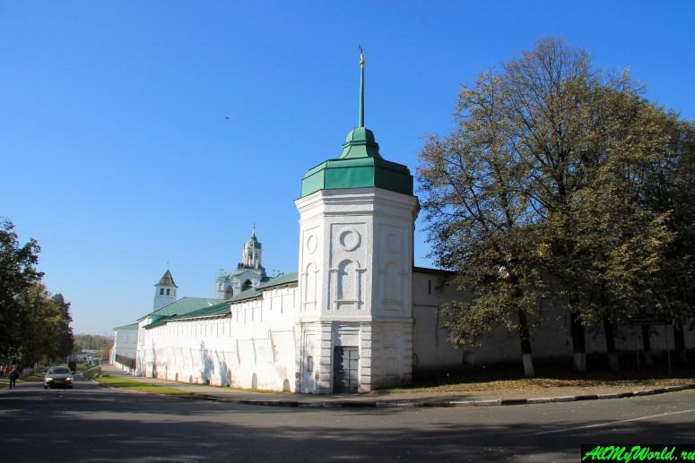 Достопримечательности Ярославля: Спасо-Преображенский монастырь