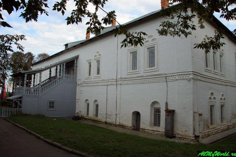 Достопримечательности Ярославля: Митрополичьи палаты