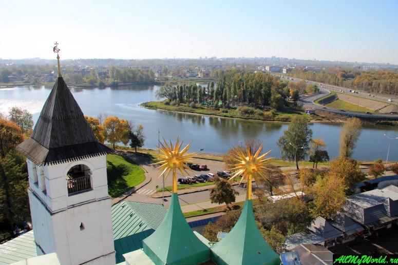Достопримечательности Ярославля: вид с колокольни Спасо-Преображенского монастыря
