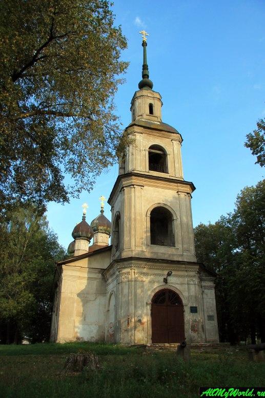 Достопримечательности Калязина - Богоявленская церковь (Краеведческий музей)