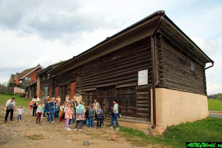 Достопримечательности Мышкина - дом мельника и старая мельница