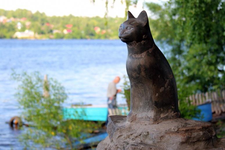 Достопримечательности Плеса: памятник кошке Мухе