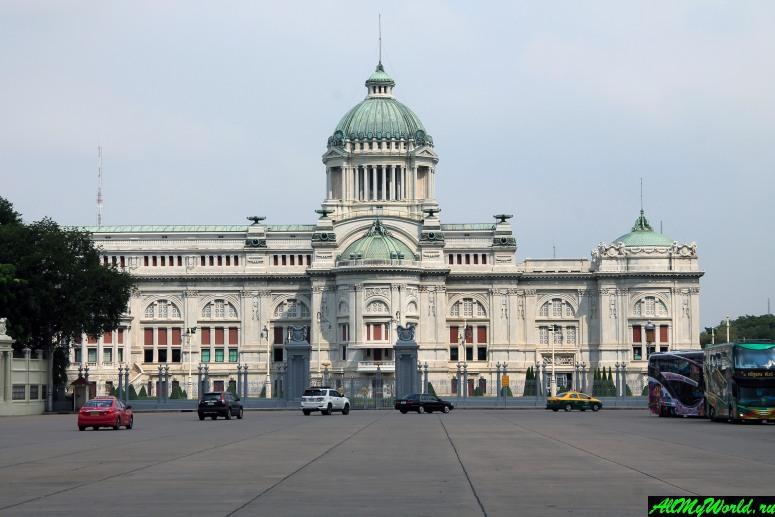 Достопримечательности Бангкока - Дворец Ананта Самахом