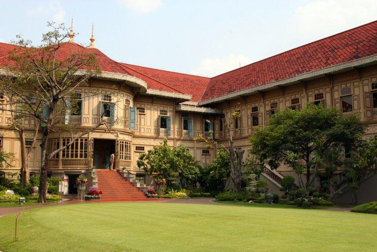 Достопримечательности Бангкока - дворец Виманмек