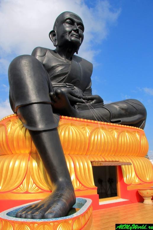 Достопримечательности острова Самуи: Храм Бопхутарам и статуя монаха Луанг По Туад