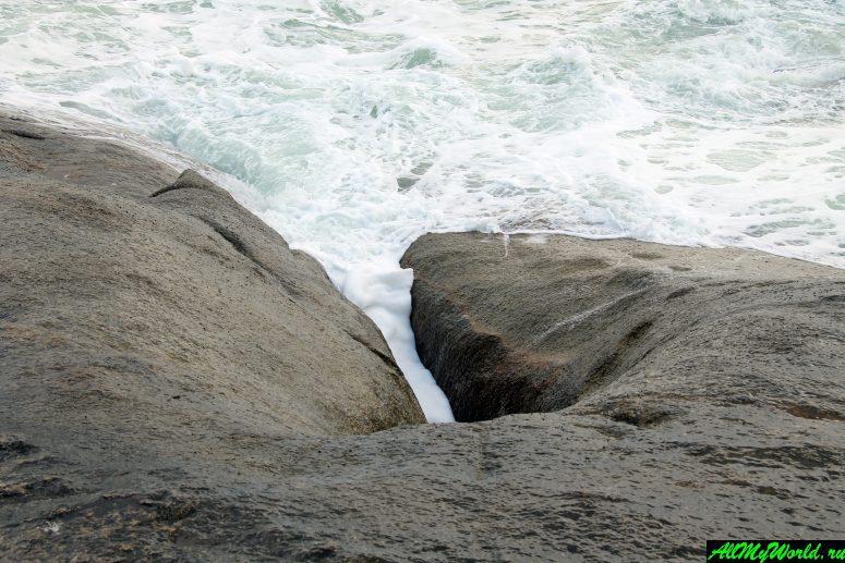 """Достопримечательности острова Самуи: Скалы """"Бабушка и Дедушка"""""""
