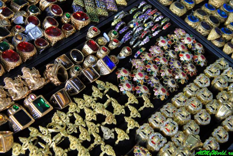 Шоппинг в Бангкоке: Амулетный рынок