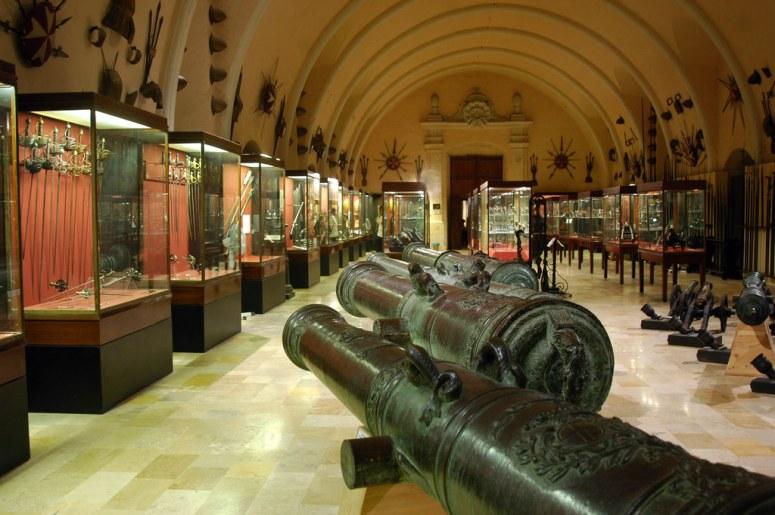 Достопримечательности Московского Кремля и Красной площади - Оружейная палата