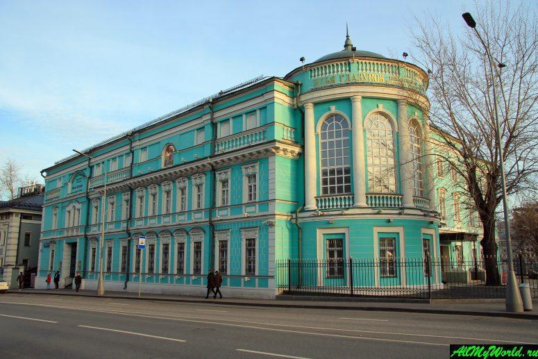 Достопримечательности Москвы: Картинная галерея Ильи Глазунова