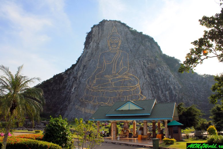Достопримечательности Паттайи - Гора золотого Будды (Khao Chi Chan Buddha или Laser Buddha)