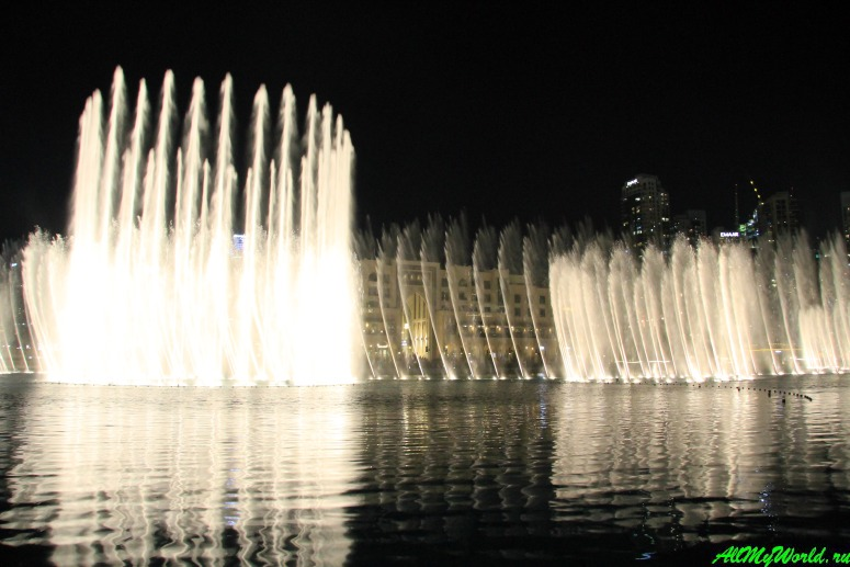 Достопримечательности Дубая - Танцующий фонтан Дубая (The Dubai Fountain)