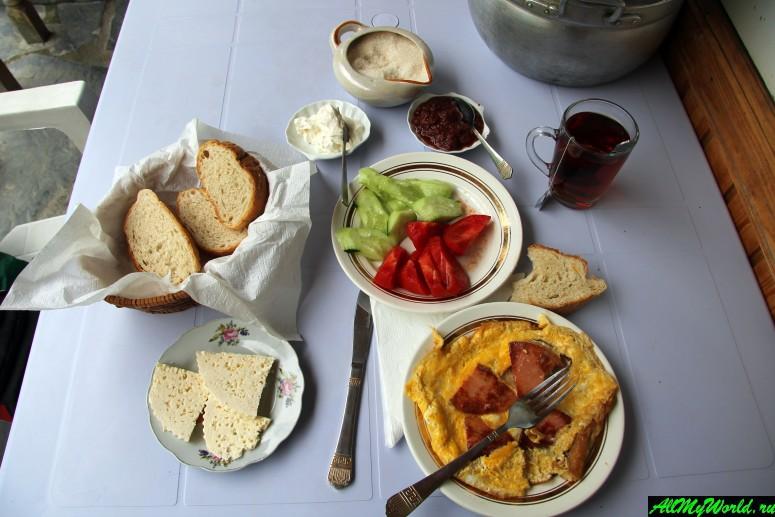 Грузия, Хевсуретия - завтрак в Шатили