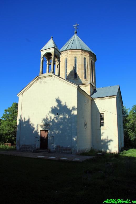 Грузия, Рача - церковь Архангела в селе Хотеви