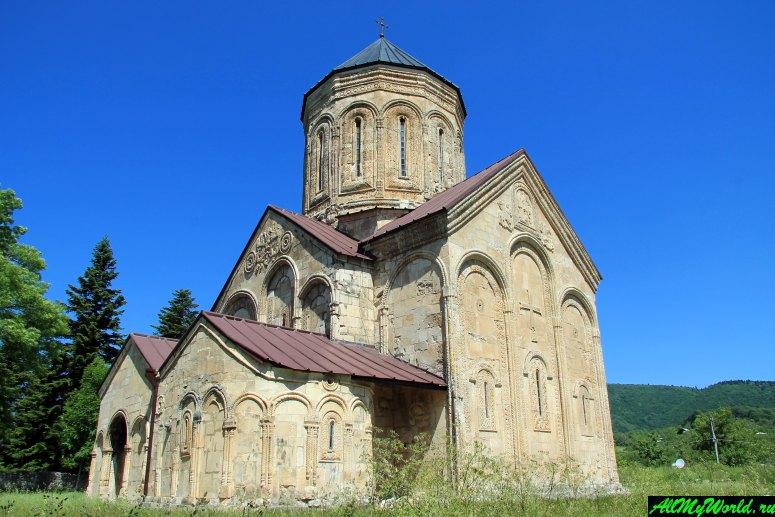 Грузия, Рача - собор в селе Никорцминда