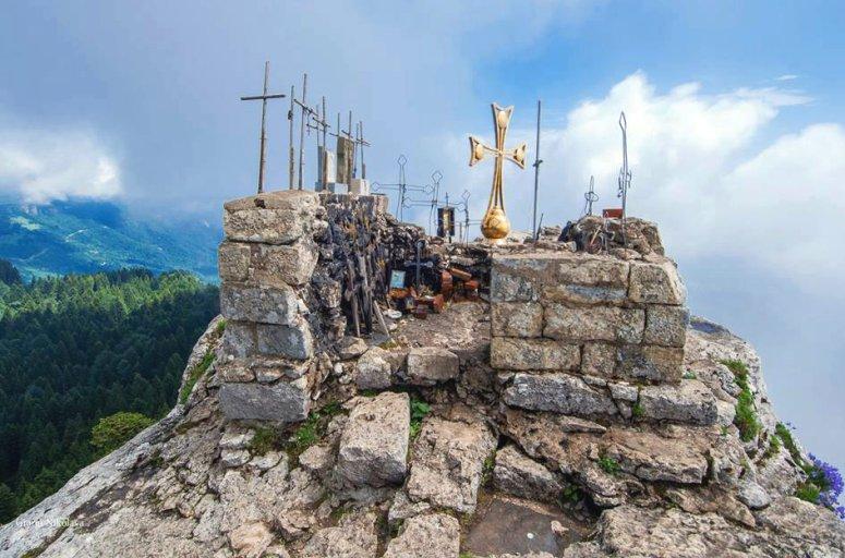 Грузия, Рача - Цхра Джвари, Гора Девяти Крестов