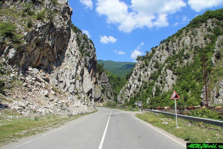 Грузия, Рача - дорога из Амбролаури в Они