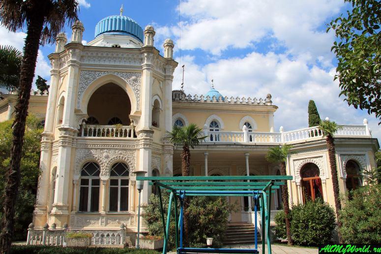 Достопримечательности Ялты – Дворец эмира Бухарского