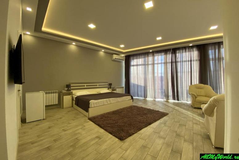 Где остановиться в Ереване: Adams Hotel