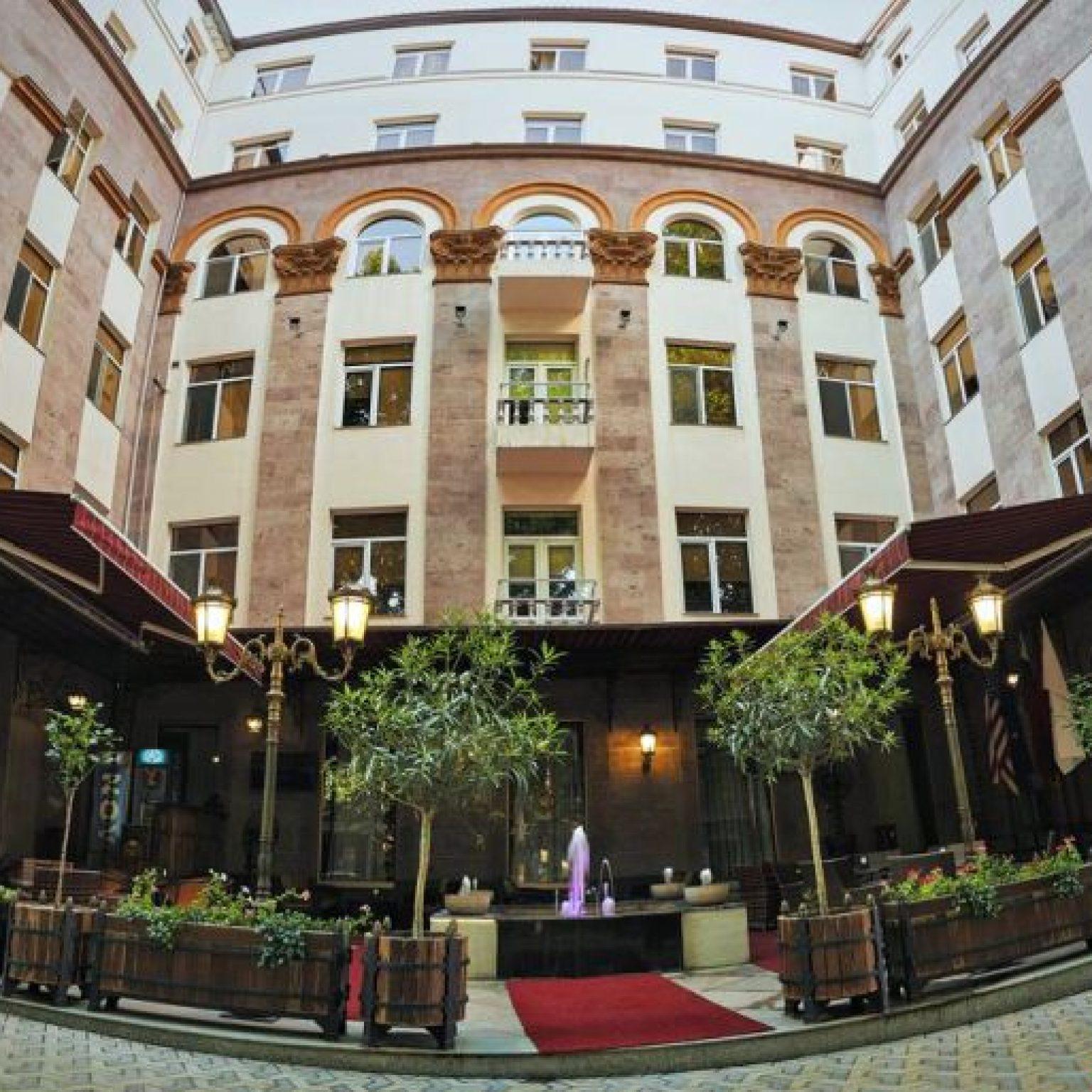 Где остановиться в Ереване: Central Hotel