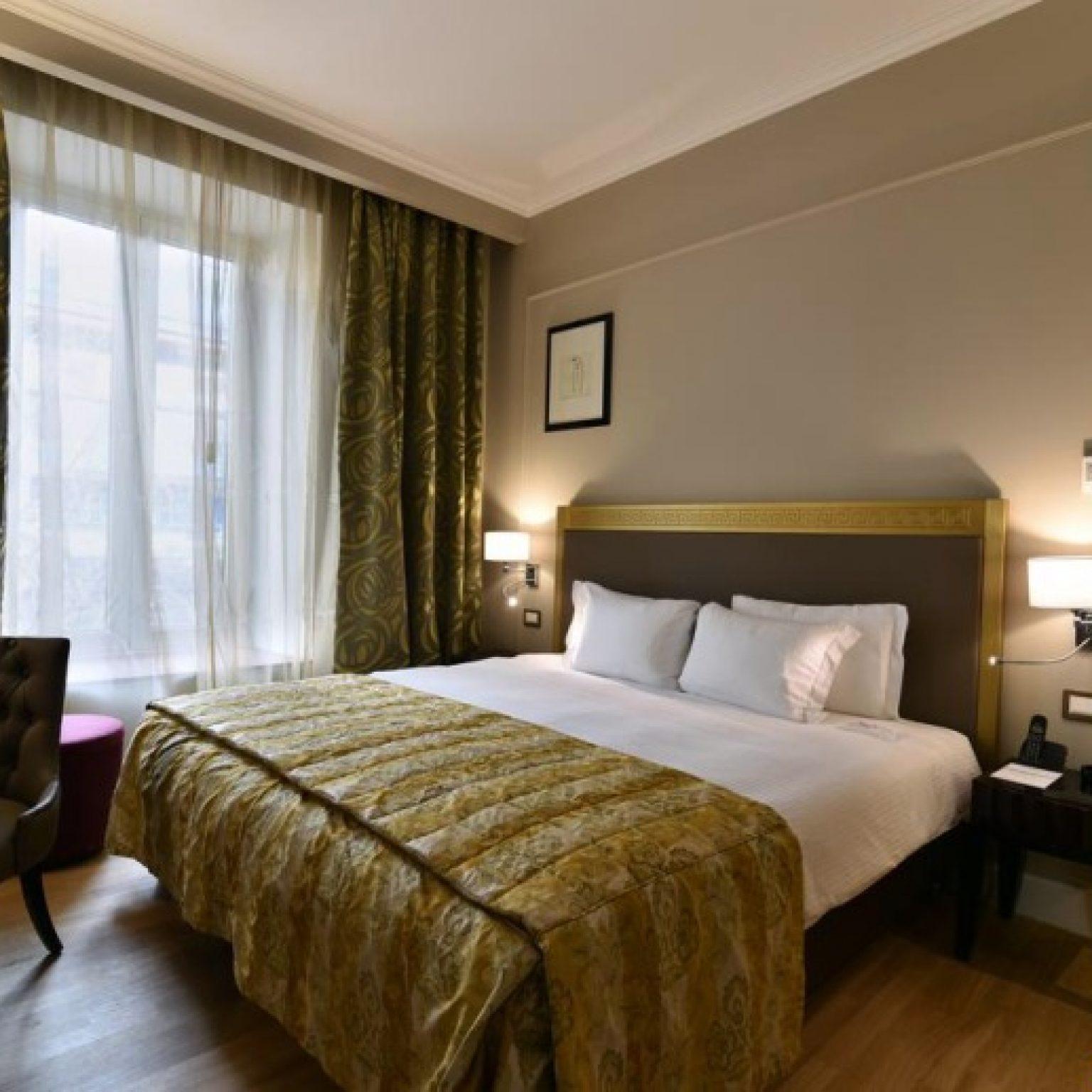 Где остановиться в Ереване: Grand Hotel Yerevan
