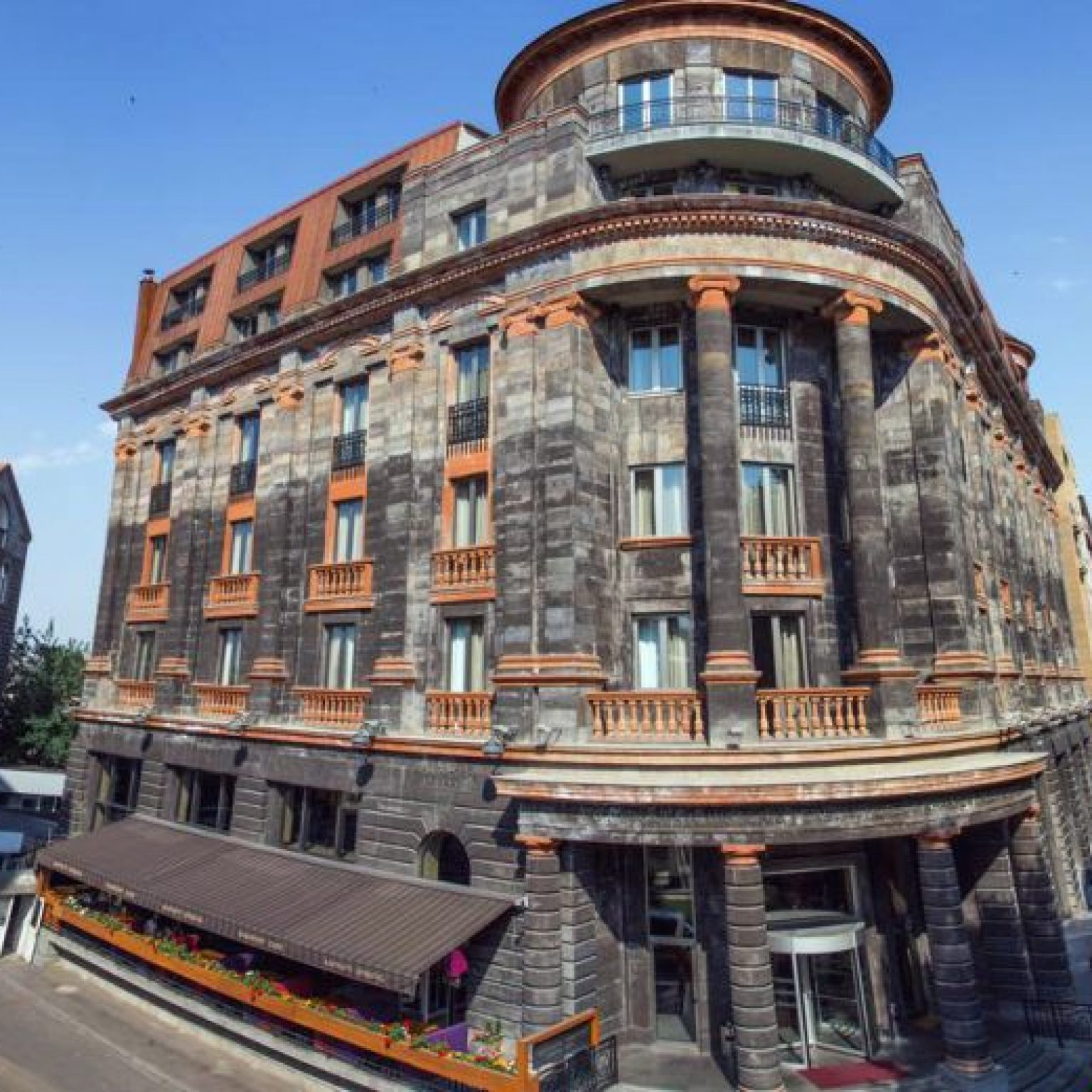 Где остановиться в Ереване: Tufenkian Historic Yerevan Hotel