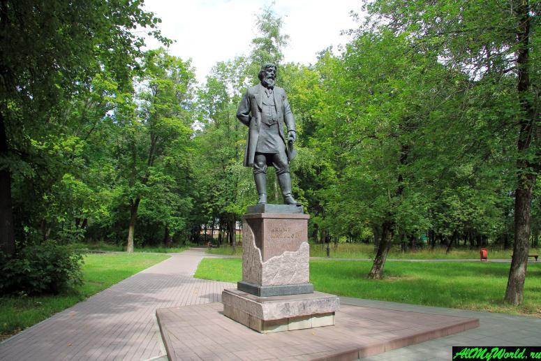 Гусь Хрустальный достопримечательности: памятник Мальцову