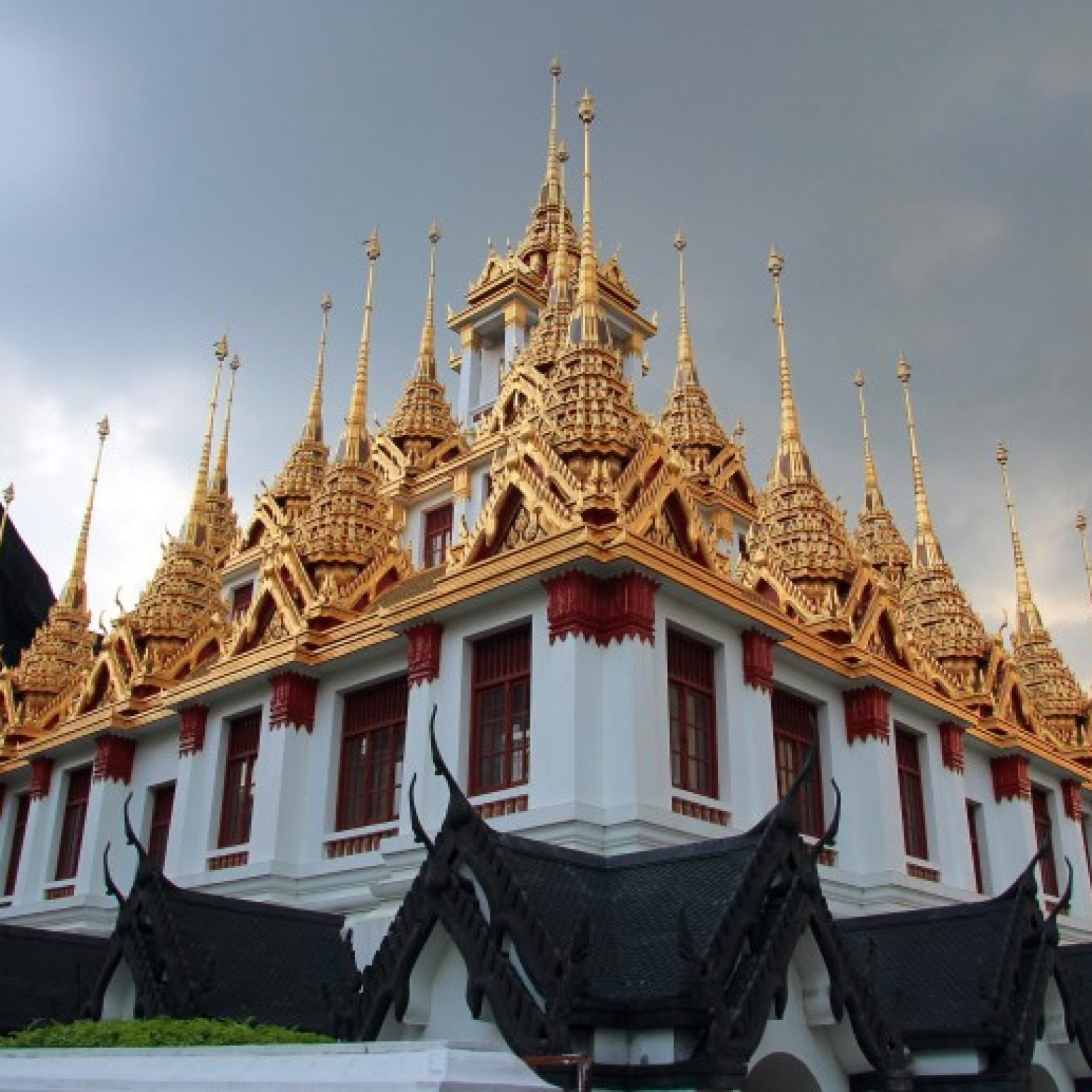 Attractions in Bangkok: Wat Ratchanatdaram
