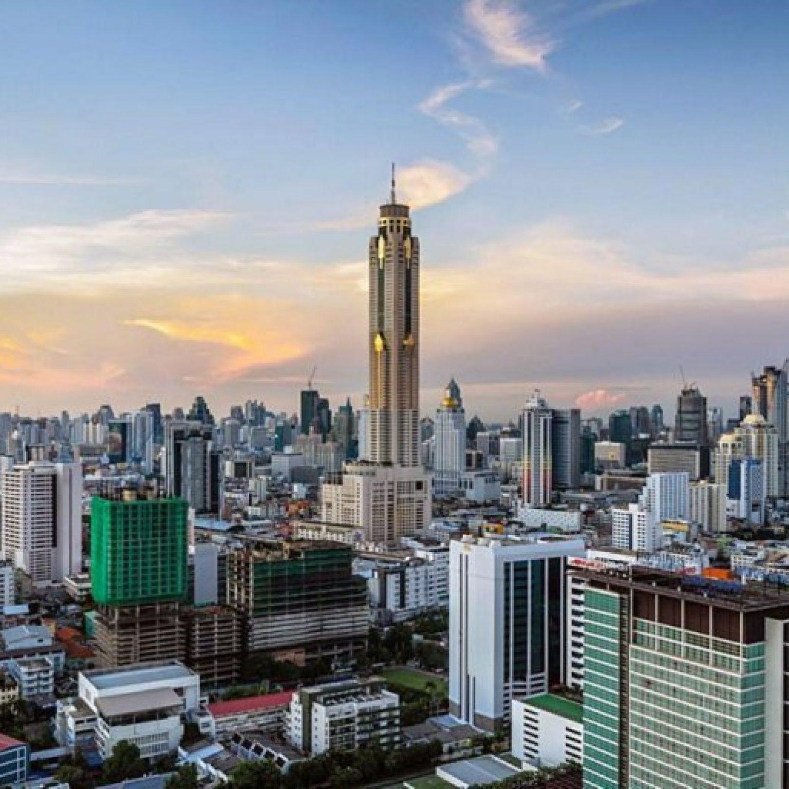 Attractions in Bangkok: Hotel-the skyscraper Baiyoke Sky