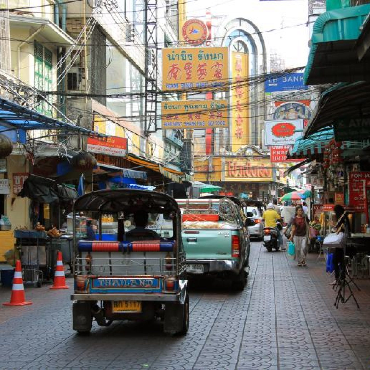 Attractions in Bangkok: Chinatown and Little India