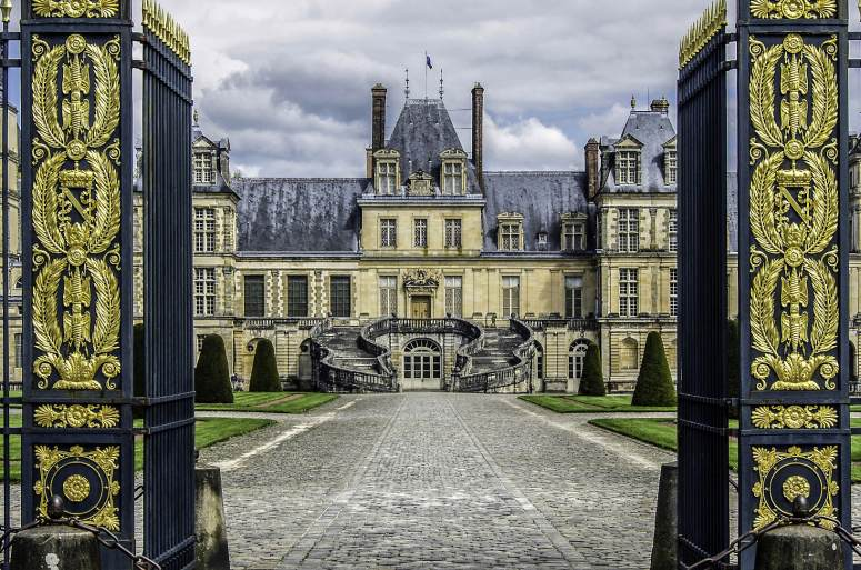 Что посмотреть в окрестностях Парижа: Дворец Фонтенбло